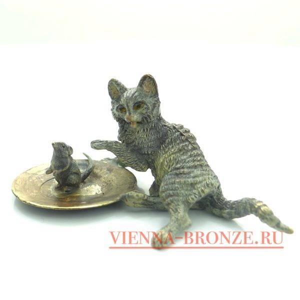 """Купить венскую бронзу """"Кот с мышью на посуде """""""