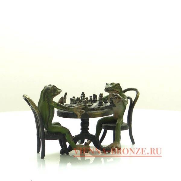 """Купить венскую бронзу """"Лягушки играют в шахматы"""""""