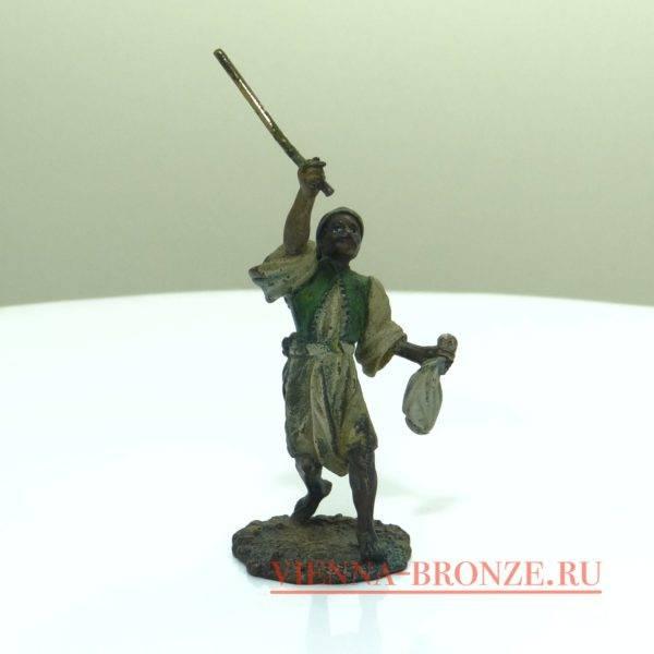"""Купить венскую бронзу """"Арабский воин с мечом """""""